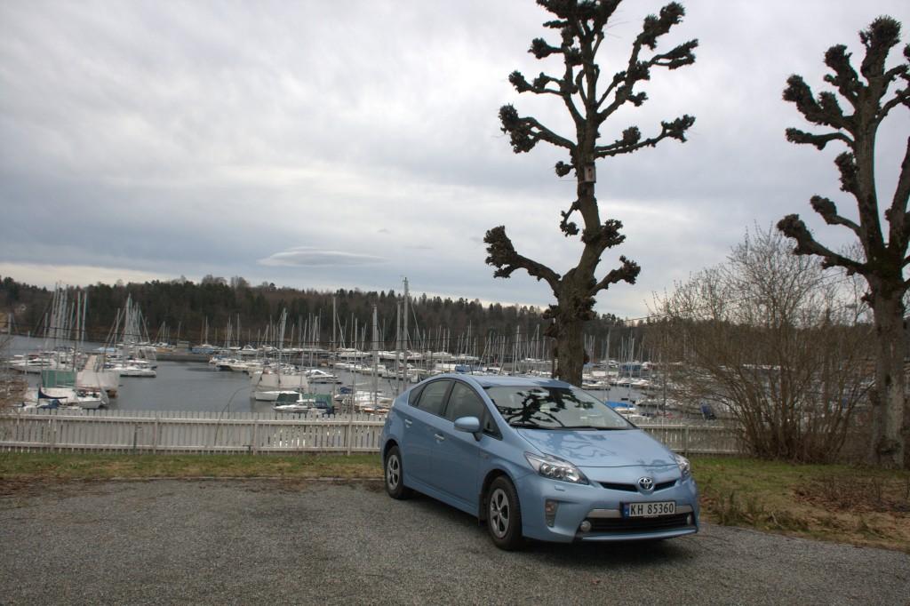 Ladbar Toyota Prius ser ut som en vanlig Prius, bortsett fra en ladeluke ekstra.